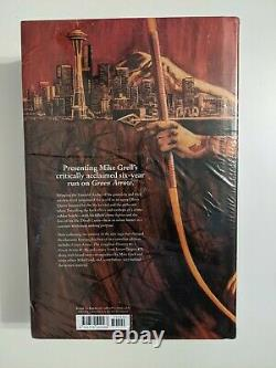 Green Arrow The Longbow Hunters Omnibus Vol 1 GRELL BRAND NEW SEALED FREE SHIP